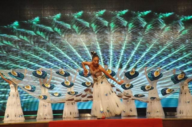 傣族大孔雀舞-18载共进,感恩有您 康佰 中国 集团喜迎十八周年庆典之图片